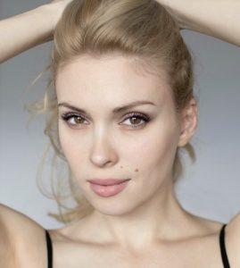 Актриса Евгения Ярушникова